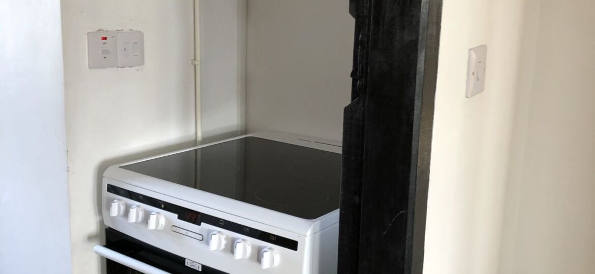 Oven, Extractor & Switching